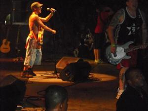Show de Manu Chao, em Salvador. Umas das poucas fotos que não tremeram em meio ao agito.